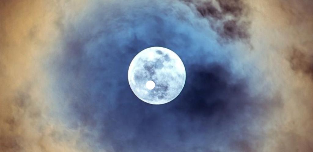 (日本語) 満月の白い光と、スピリチュアリズムの始まりの日